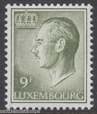 LUXEMBOURG - 1975 9f Olive-green - UM / MNH