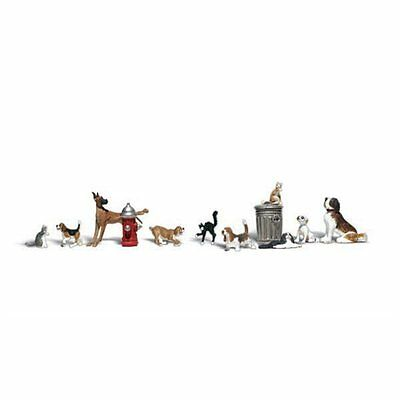 Painted Dogs & Cats (OO/HO figures x 12) Woodland Scenics A1841 - free post