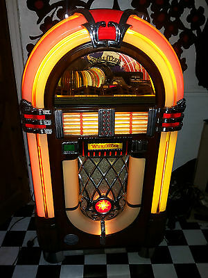 Very Nice Wurlitzer Jukebox That Plays Cds
