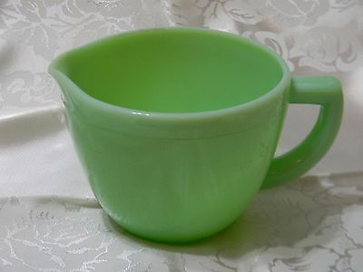 McKee Jadeite Green 2 Cup Measuring Pitcher With Pour Spout