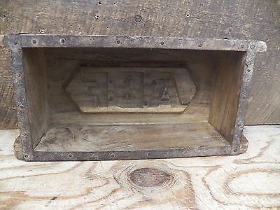 Old Antique Refurbished Wood Wooden Brick Mold Box 9.5 in x 4.5 in Lot 9