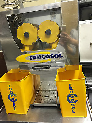 Frucosol Automatic Load Orange Juicer, Commercial Professional Juicer WORKING