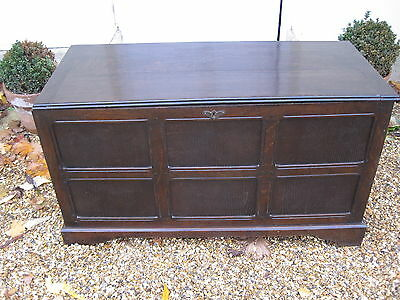 Beautiful Vintage Dark Oak Paneled Coffer/Ottoman/Blanket Box/Toy Box