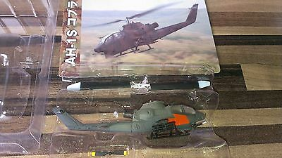 AH-1S Cobra US Army   Takara World Tank Museum Special Edition  in 1:144