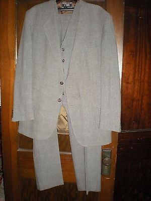 EUC Vintage Levi's 3-Piece Action Suit in 42 Long