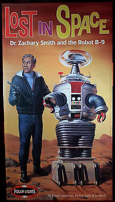LOST IN SPACE Dr. Zachary Smith and Robot B-9 Model Kit by Polar Lights - NEW
