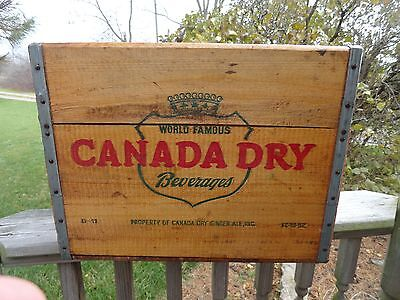 Vintage Canada Dry Ginger Ale Soda Wood Crate 1952 Beautiful Condition