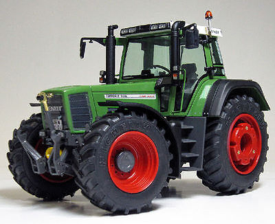 Fendt Favorit 926 Vario 1996-2000 Tractor 1:32 Model WEISE-TOYS