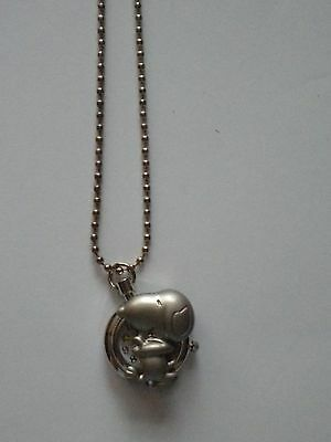 """New Girls/ladies Snoopy Puppy Dog Pendant Necklace Watch On A 26"""" Silver Chain"""
