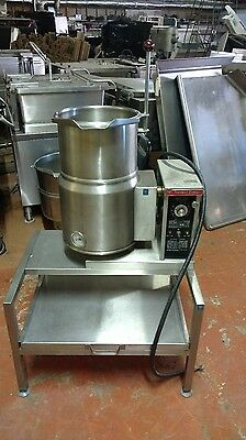 Tilt Kettle 20 Quart Market Forge W/Stand  208, 3 Phase  Works Perfect