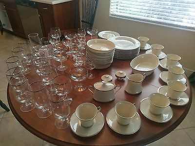 Lennox Ivory Solitare 82 Piece China