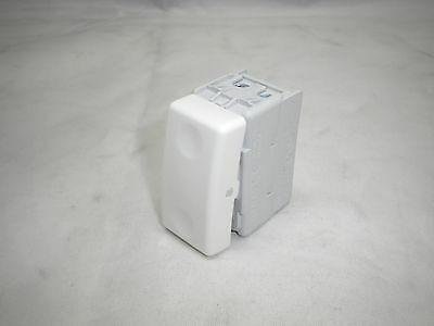 Gewiss Gw20579 16A 240V Intermediate Switch Module White