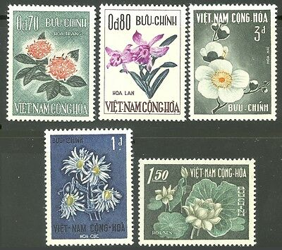 Flowers On Stamps From VietNam 261-265