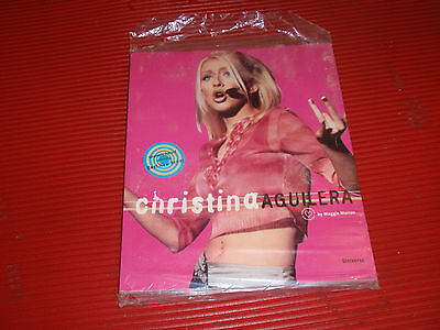 Vintage Book: Christina Aguilera (Biography), Universe Publishing, 2000. N.o.s.