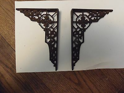 Vintage Small Pair Of Victorian Cast Iron Shelf Brackets