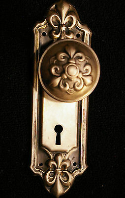 "FLEUR de lis Brass-Tone ""Fleuray"" DOOR KNOB/ BACKPLATE Stamped Steel"