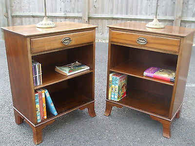 Pair of vintage bookcases, high quality sold mahogany antique style circa 1960s