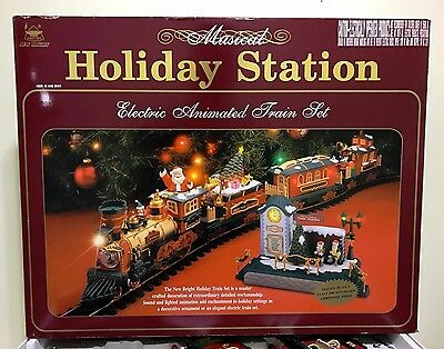 NEW BRIGHT Musical Holiday Station Electric Animated Train Set 385 Christmas
