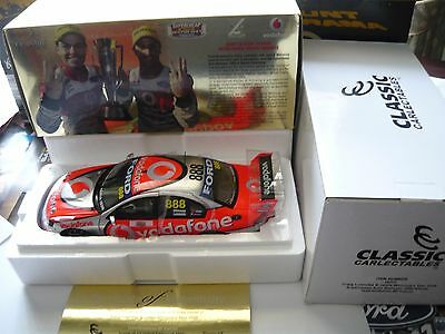 1/18 Classic Carlectables Year 2008 Bathurst Winner Ford Falcon Lowndes Whincup