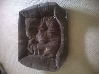 Pet Bed -Faux Suede Soft Fluffy Cushioned Pet Bed - chocolate brown - SMALL