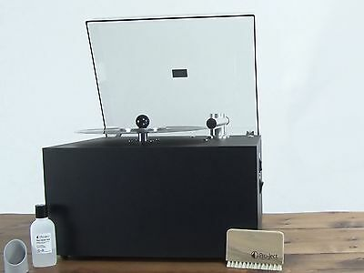 Pro-Ject VC-S record cleaner with Dust Cover