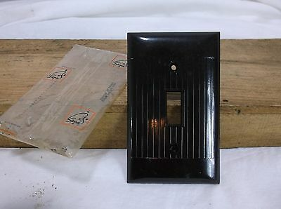 Vintage NOS Sierra BAKELITE Ribbed Single Wall Light Switch Plate Brown Cover US