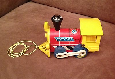 """Fisher Price """"toot Toot""""  643 Pull Toy"""
