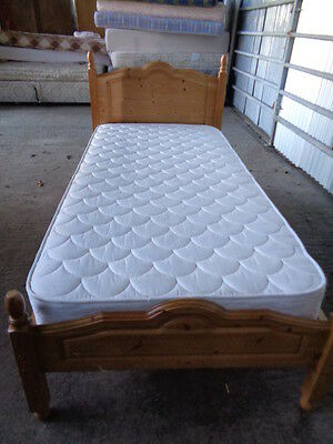 single bed 3 foot solid  pine bed