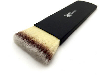 IT Cosmetics Heavenly Luxe Sculpted Contour & Highlight Brush #18