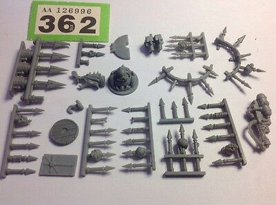 Warhammer 40k Chaos Space Marine Vehicle, Spikes +Troops Bits Parts Spares  #362