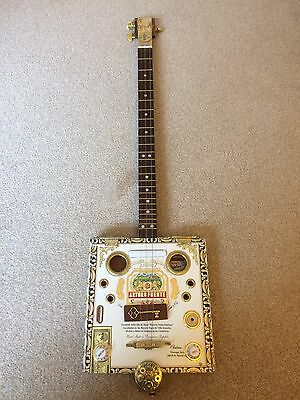Cigar Box Guitar Three String Arturo Fuente