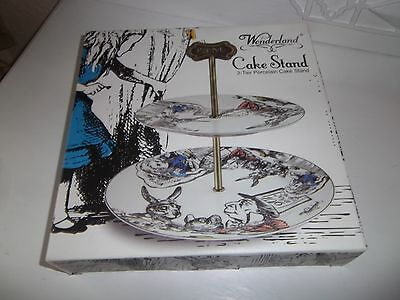 cake stand Alice in wonderland