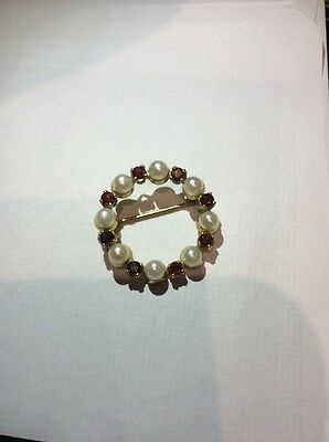 9ct gold cultured pearl and garnet circle brooch