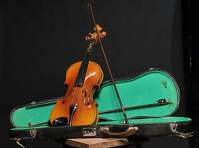 Nearly new! Full Size 4/4 Acoustic Violin Set With Case, Bow & Rosin