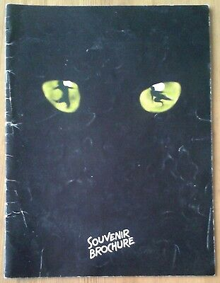 Cats photo souvenir brochure programme New London Theatre May 1993 ed.