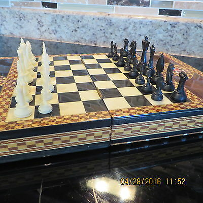 Very Ornate Inlaid  Chess Set ~ All 32 Players Present