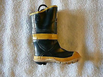 Just The Right Shoe FIREFIGHTER BOOT Mint Condition Miniature Shoes