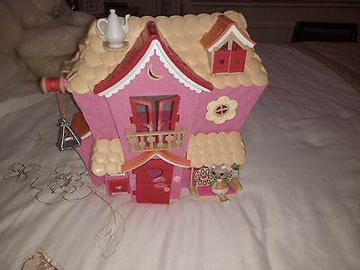 lalaloopsy house with small doll