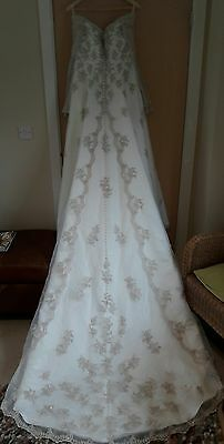 Stunning Eternity Bridal ivory & delicate lace wedding dress with sleeves sz 14
