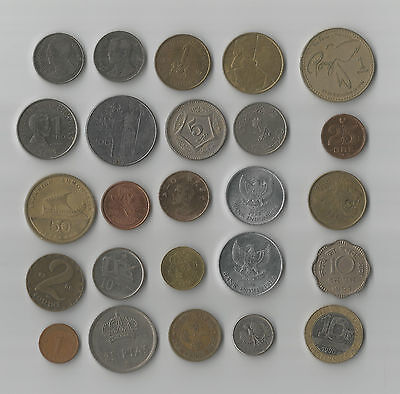 Set 4: 25 world coins, incl bimetallic & scalloped, some from scarce countries