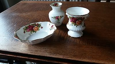 Royal Albert Old Country Rose Trio (2 Small Vases 1 Dish)