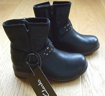 Girls Clarks Black Leather Boots Size 9 G Infant Brand New