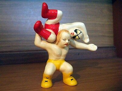 WWE type wrestlers novelty salt and pepper shakers