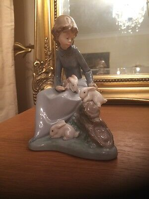 Lladro Nao Porcelain Figure 1026 Young Girl with Rabbits
