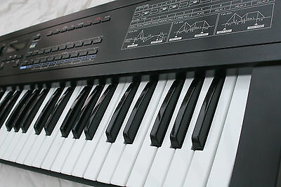 Roland D-20 Vintage Synthesiser with Hard Case