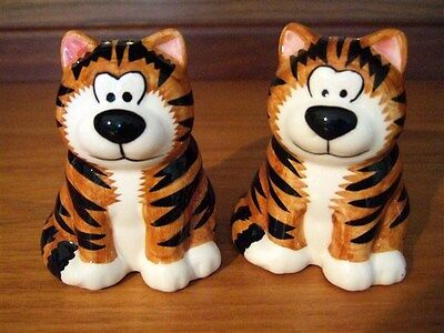 Stripey cats novelty salt and pepper