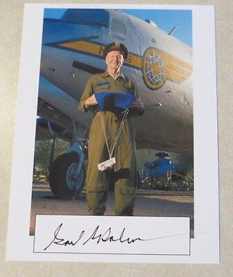 Col. Gail Hal Halvorsen Berlin Candy Bomber WW2 signed autographed card