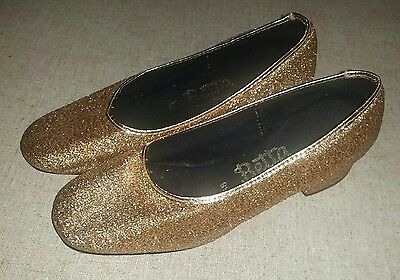 Cool Retro Gold fabric shoes with small heel size 5B made by Betta child size