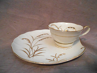 ROYAL CARLTON Fine China 7807 Gold Wheat Snack Plate & Cup Set