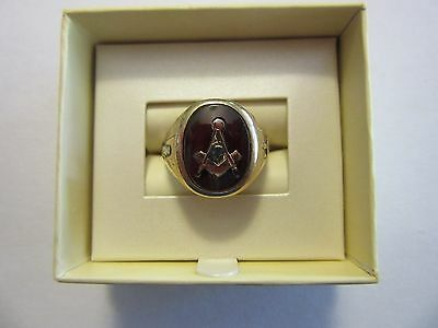 Vintage Men's 1960s 10 KT Yellow White Gold Masonic Ring w Red Stone Size 10 1/2